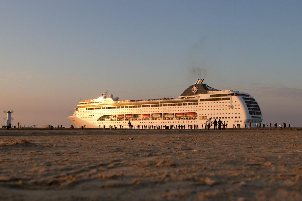 Największy cruiser, jaki kiedykolwiek gościł w porcie Świnoujście